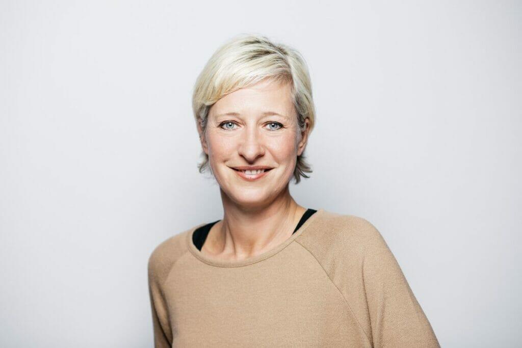 Nicole Nyhuis vom HOSTEL Köln freut sich auf Deine Bewerbung!